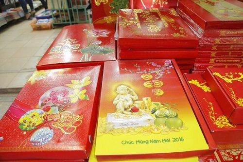 Thị trường mua sắm lịch Tết Bính Thân 2016 tại Hà Nội